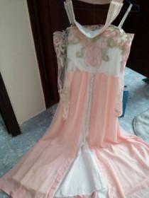 فستان سهرة جديد وناعم بسعر مغر