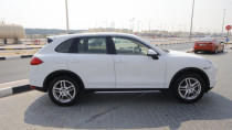 Brand New Porsche Cayenne v6 Gcc specs with warranty