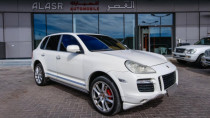 2009  Porsche Cayenne Turbo 4.8l V8 for sale in Abu Dhabi