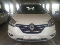 Renault Koleos 2015Model, full automatic,excellant condion- URGET SALE- 4000AED