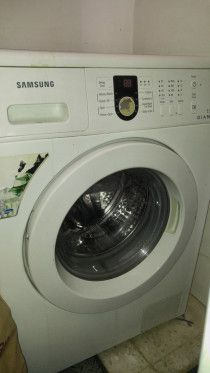 Nikai Regfrigerator and Samsung Front fully load washing machine @350 each