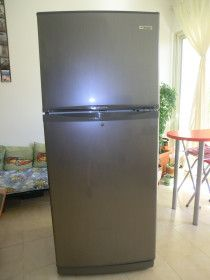 BOMPANI Fridge in good working condition, 3 years but used only couple of times.