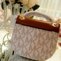 Special offer Michael kors cross bag brand new orignal with serial num and bill