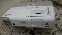 epson projector in excellent condition, usb, ethernet for immediate leaving,