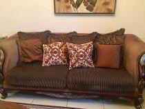 Beautiful Brown7 seater sofa set