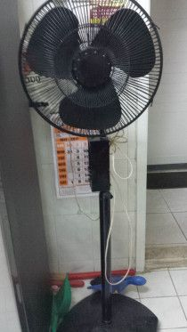 Excellent household things for sale ac cooking range bed fan freezer for urgent