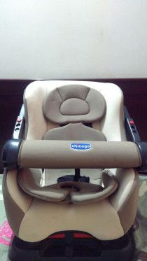 Comfortable and average used baby car seat