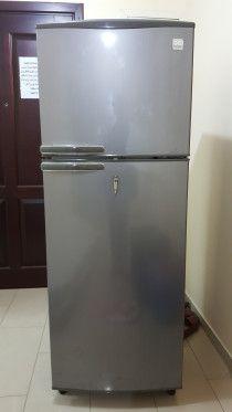 Daewoo refrigerator double door in excellent condition