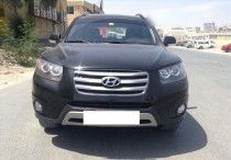 Hyundai Santafe 2012, very low mileage and in good condition. No accident
