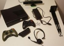 XBox 360 Slim 250Gb with Kinect included and 2 Controllers