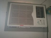 Window AC for immediate sale. Very good condition. Prize 1300dhs for 2Nos