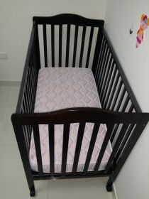 Baby Crib and Matrice for urgent Sale  - very light use AED 400