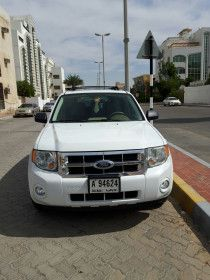 2008 Ford Escape full option with Leather seats 133000 kms