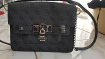 Brand  new  Guess  handbag Never been used