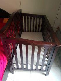 Adjustable Baby Wooden Crib with Matress