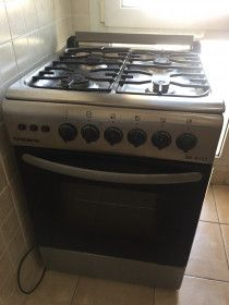 Gas oven for sale in good conditions contact for details