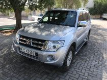 A very Good Condition Pajero 3.5 GLS, 2013 Model for sale in Dubai