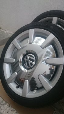 Four Rims Volkswagen Original Factory with Tiers for sale in Abu Dhabi
