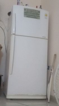 fridge in very good condition family used