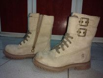 Almost New Timberland boots for Women size 7 for sale in Dubai