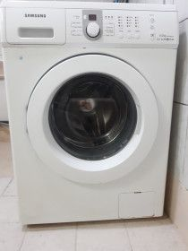 Samsung front load washing machine 2 years old for sale in Dubai