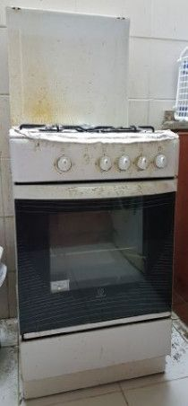 Indisit Cooker For Sale in VGC in Ajman AED 250 Only