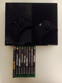 Xbox ONE 500GB + 2 Controllers + 9 original games