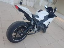 I am selling my 2015 Honda CBR 1000RR, This bike is in very good condition