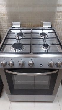 Cooker/Oven (Hoover) with four   Burners