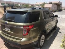 2012 Green Ford Explorer XLT , 126,000 km with tan interior