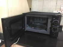 For Sale:Refrigerator,Washing Machine,Gas ,Microwave Oven,Beds for sale in Dubai