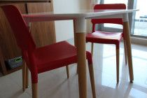Selling table and chairs in Dubai - good deal-Urgent