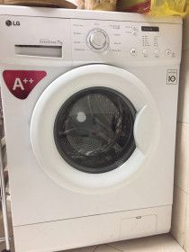 LG front load washing machine 7kg for sale