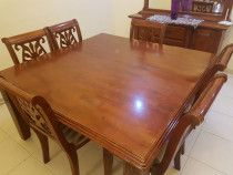 dining table going for cheap price on 1200 call or whatsapp for more