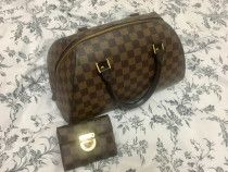 Original louisvuitton bag and wallet ,comes with dustbag and paperbag