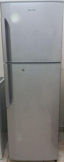 Hitachi fridge in a mint condition. urgent sale in Sharjah