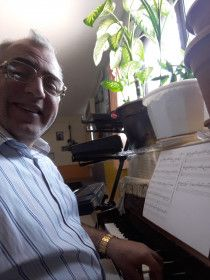 piano lessons  . prived piano . ABRSM Guided courses in home piano instruction