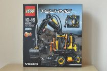 Lego Technic 42053 Volvo EW160E - new still sealed in box!