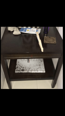 A set of coffee table and its side table