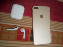 iphone 7plus 128GB Gold for sale just for 2700 dhs avialable in Horalanz Dubai.