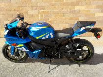 2015 Suzuki GSX-R 750 For sale with low miles. What's app +971527629169