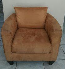 Luxurious comfy  2 piece suede sofa set for sale