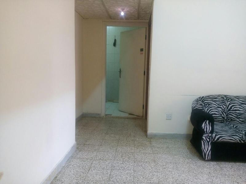 1 BHK FLAT FOR RENT IN ELECTRA FOR FAMILY(NEAR ROYAL ROSE HOTEL) -60,000/YR-3 CHEQUES-NO AGENCY FEE