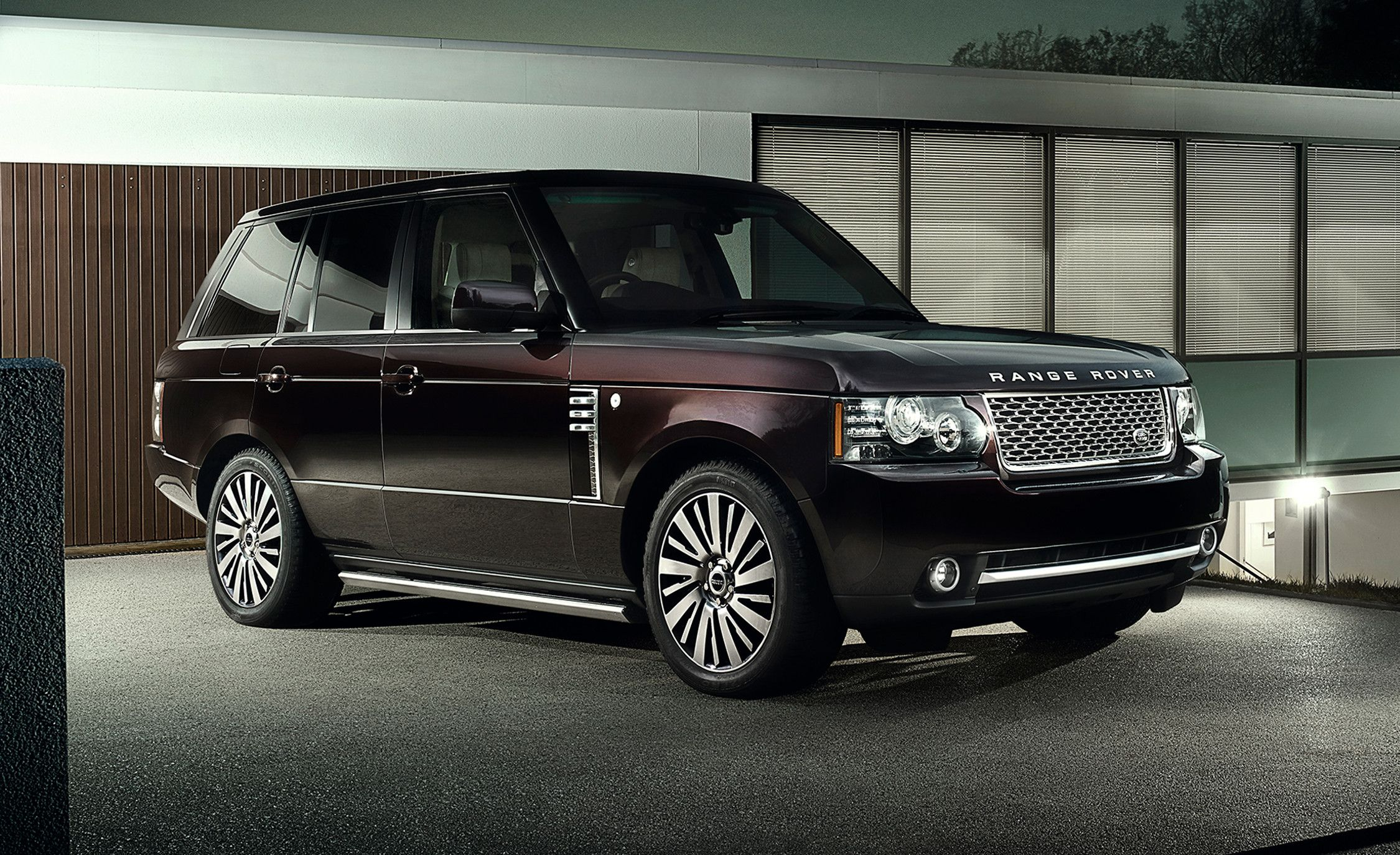 Range-Rover-SVAutobiography-Buy-and-Sell-in-Abu Dhabi