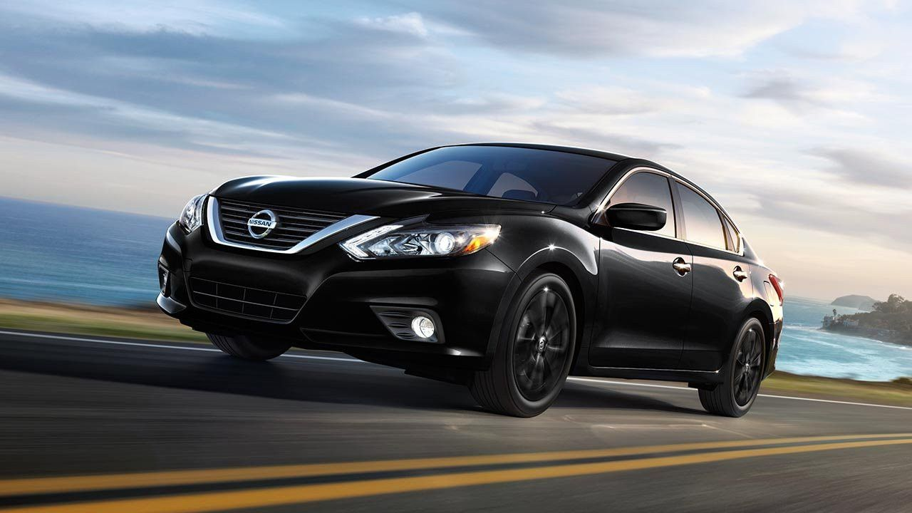 new used nissan altima cars for sale in dubai cheap prices storat. Black Bedroom Furniture Sets. Home Design Ideas