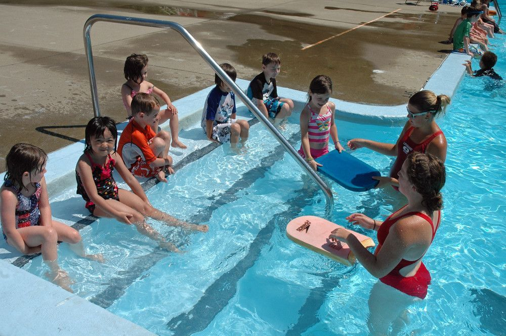Intensive monthly swimming lessons for children in Abu Dhabi